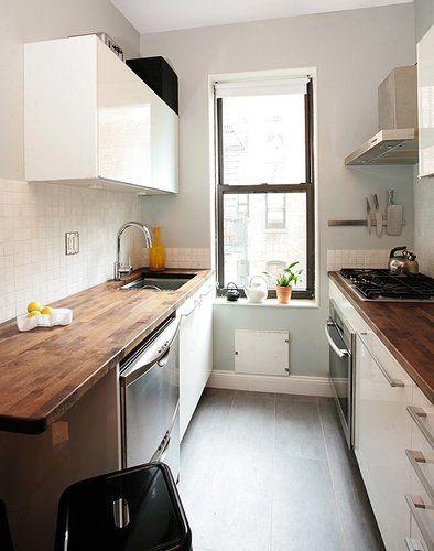 cocina con doble encimera en poco espacio