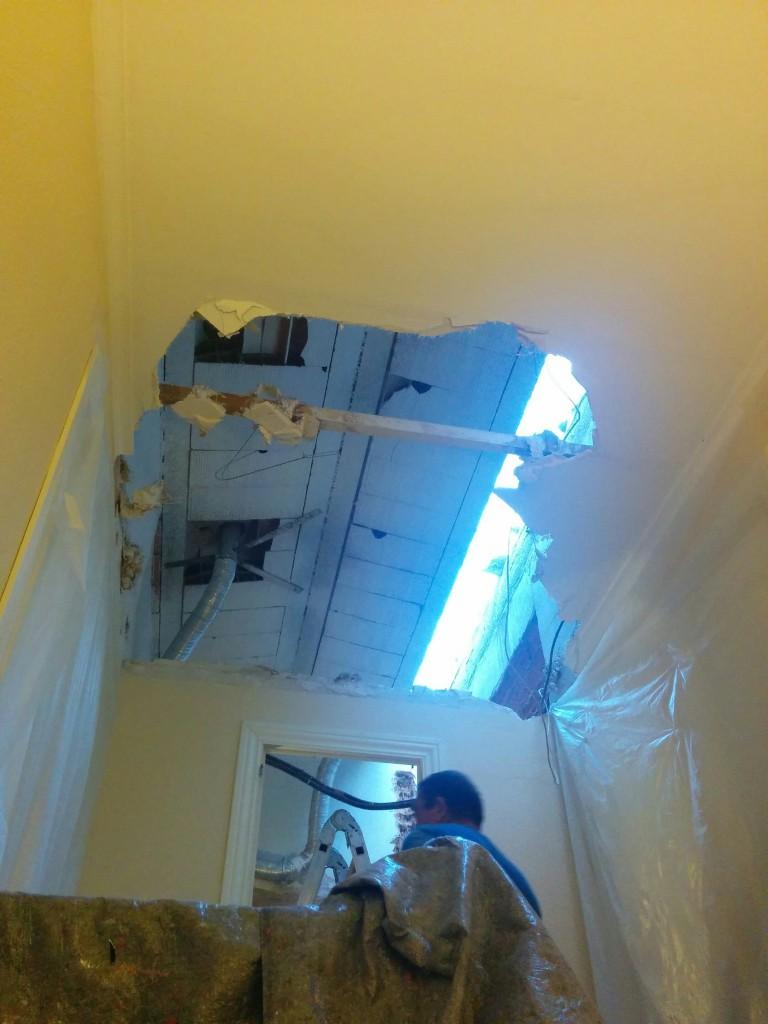 eliminación de falso techo para hacer buhardilla de obra