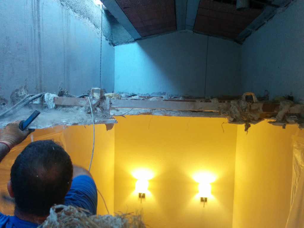 sustitución de techo de escayola por techo de obra