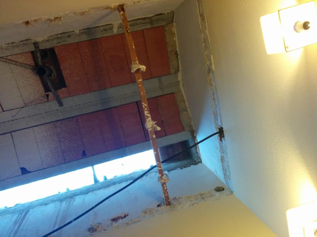 construcción de buhardilla en casa unifamiliar